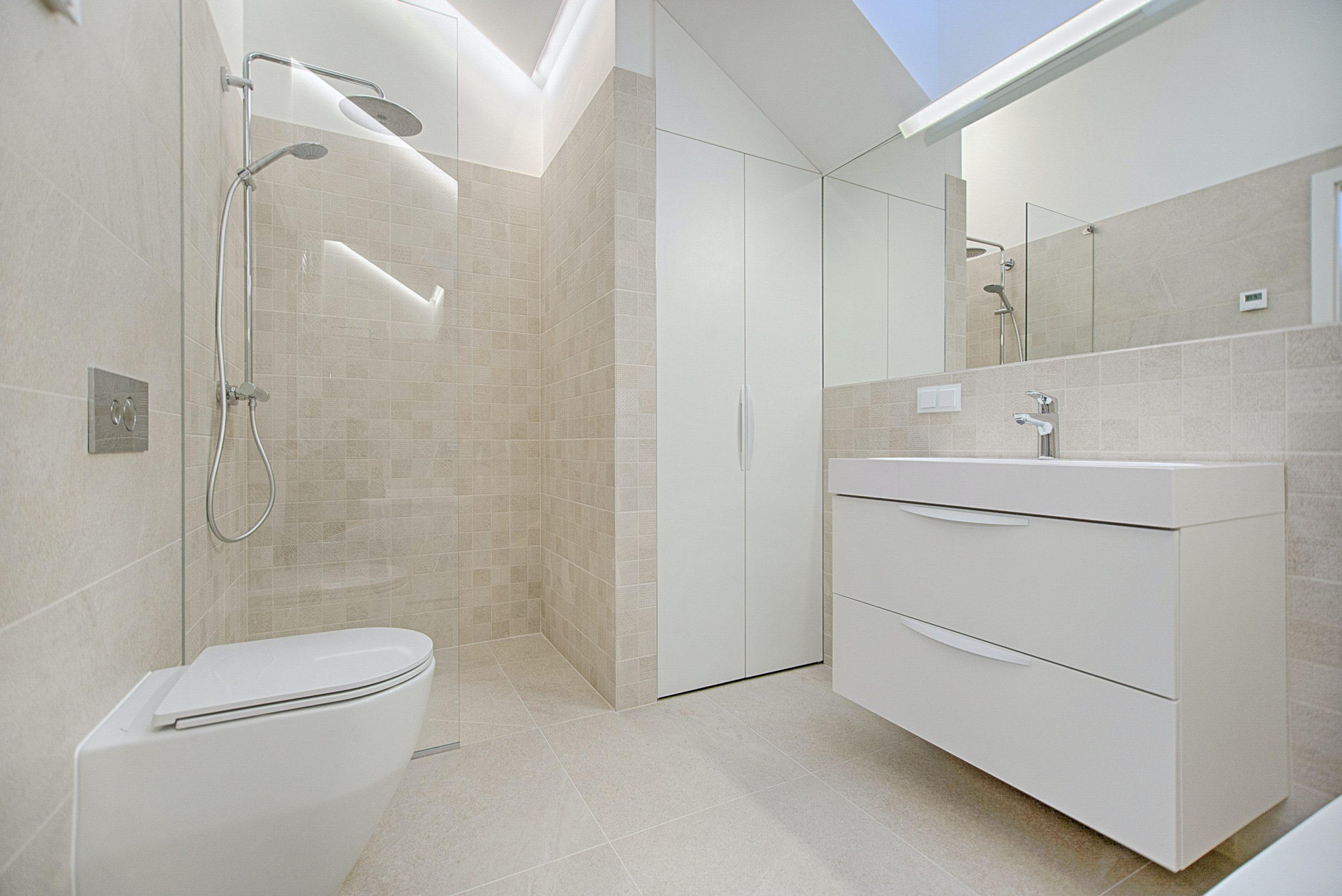 Интерьер совмещенной ванны с санузлом