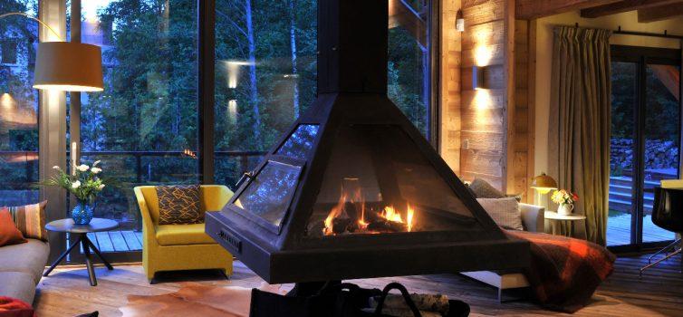 Дровяные камины для дачи: «доброе» тепло для вашего уюта!