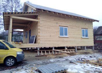 Строительство дома из бруса на свайном фундаменте