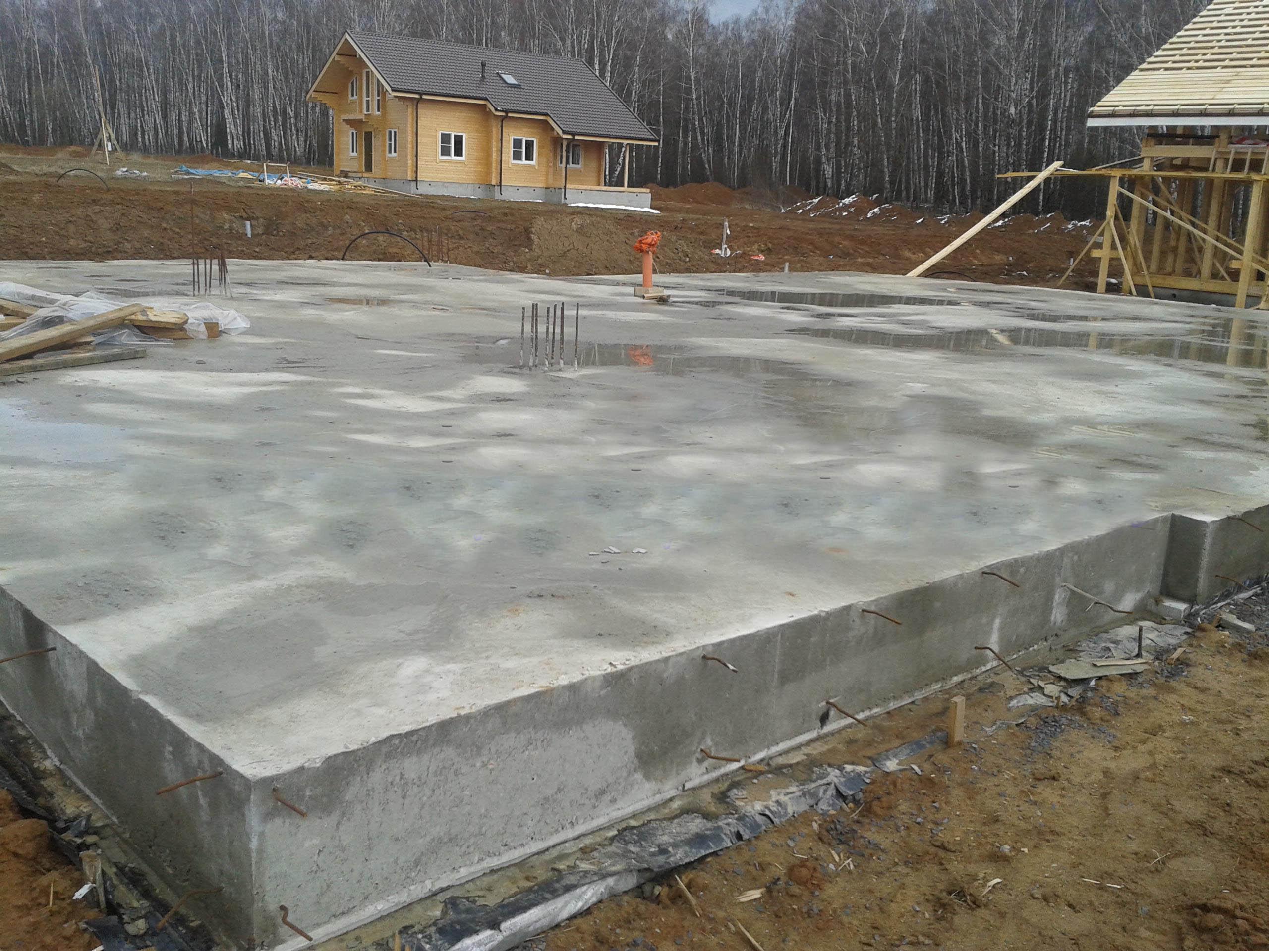 Монолитная железо-бетонная плита