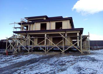 Деревянный дом на свайном фундаменте
