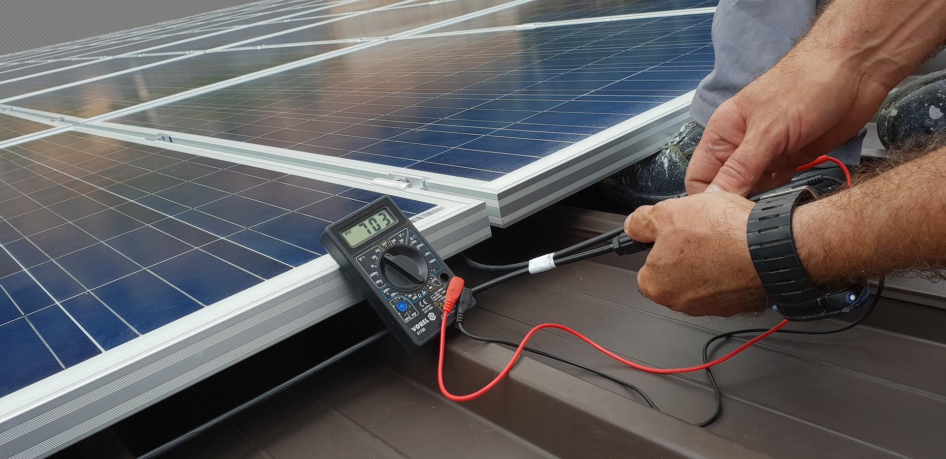 Проверка напряжения солнечных панелей