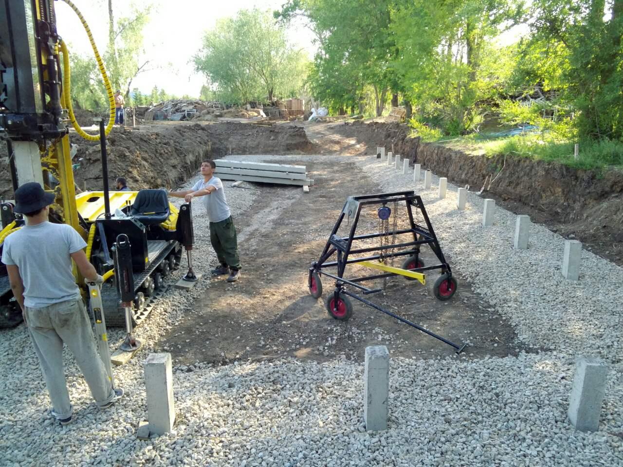 Строительство фундамента на забивных сваях