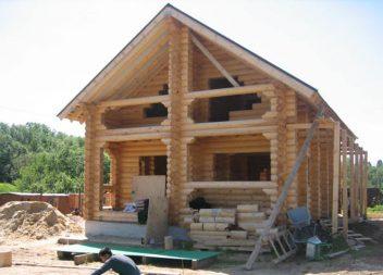 Дом-баня из оцилиндрованного бревна