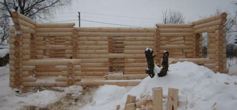 Строительство дома из оцелиндрованного бревна